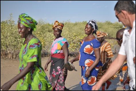 Les femmes de Nema Bah, belles.